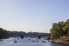 Rivier Vltava in Praag stock foto