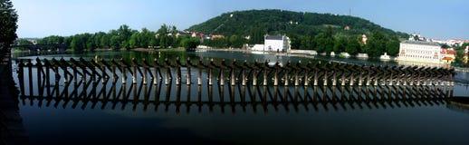 Rivier Vltava in Prag Stock Foto's