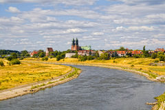 Rivier Warta en Basiliek op Poznan Royalty-vrije Stock Fotografie