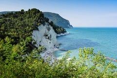 Riviera del Conero, Marche Italien royaltyfri fotografi