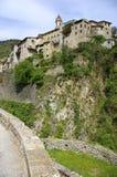 Riviera francesa, paisaje Pre-alpino: Pueblo medieval de Luceram Imagenes de archivo