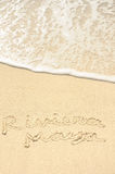 Riviera Maya die in Zand op Strand wordt geschreven Stock Foto's