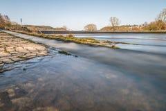 Rivierbad Pielmà ¼ hle bij rivier Regen in Lappersdorf dichtbij Regensburg, Beieren, Duitsland stock foto's