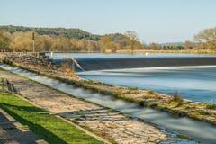 Rivierbad Pielmà ¼ hle bij rivier Regen in Lappersdorf dichtbij Regensburg, Beieren, Duitsland Royalty-vrije Stock Foto's