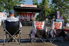 Rivierkreeftenfestival in Breaux-Brug Stock Afbeelding