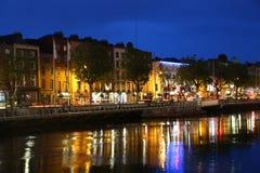 Rivieroever in Dublin royalty-vrije stock afbeeldingen