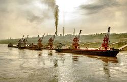 Rivieroever fabriek Engels dok Royalty-vrije Stock Foto's