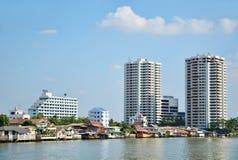 Rivieroever van Bangkok Stock Foto's