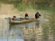 Rivieroeverlandschap in Kambodja stock foto's