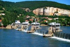 Riviersloten voor Boten om de Rivier van de Rhône te navigeren stock foto