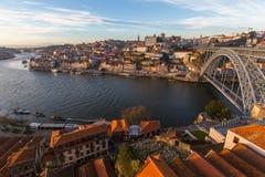 Rivière de Douro et pont de Dom Luis I, Porto Photographie stock