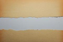 rivit sönder gammalt papper arkivfoton