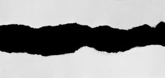 Rivit sönder papper och sönderrivet papper royaltyfri foto