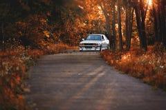 Rivne Ukraina - Juli 07, 2018: Original-, för tunning, glansig och skinande gammal klassisk retro oldtimer för BMW M3 e30 outdors arkivbild