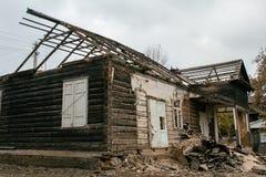 Rivning av ett hus Arkivbild