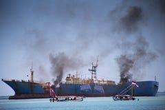 Rivning av fisken piratkopierar VIKING Ship i Indonesien Royaltyfri Fotografi