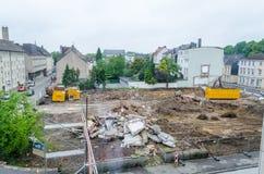Rivning hög av spillror, konstruktionsplats Royaltyfria Bilder