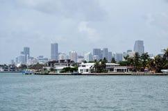 RivoAlto住所和迈阿密高楼在背景中 图库摄影