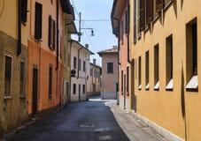 Rivolta d `阿达河克雷莫纳,意大利:老街道 免版税库存照片