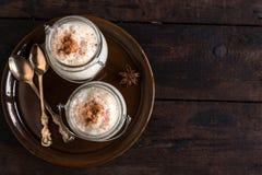 Riz au lait crémeux servi photo libre de droits