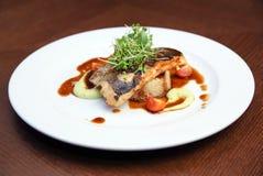 Riz avec des poissons et des aubergines Image libre de droits