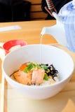 Riz bouilli par Japonais, Ochazuke Image stock