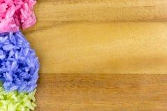 Riz collant coloré cuit à la vapeur avec du lait de noix de coco Image stock