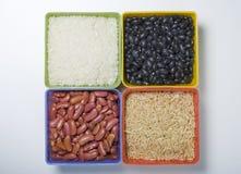 Riz et haricots secs. Images libres de droits