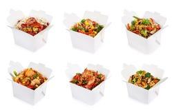 Riz et nouilles dans des boîtes image libre de droits
