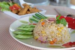 Riz frit avec du jambon Images libres de droits