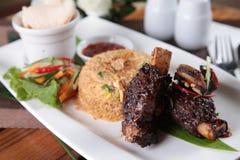 Riz frit de cuisine indonésienne populaire Image libre de droits