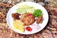 Riz frit de jasmin avec l'appel Kao Klok Kapi de pâte de crevette Photographie stock libre de droits