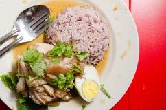 Riz thaïlandais de jambe de porc avec l'oeuf Images libres de droits
