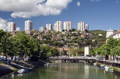 Rjecina flod i Rijeka, Kroatien Arkivbilder
