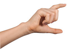 Ręka chwyta wirtualna karta lub mądrze telefon Zdjęcia Royalty Free