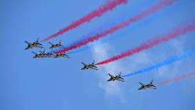 RKAF schwärzen aerobatic Leistung Aerobatic Teams Eagless in Singapur Airshow Stockbilder