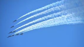 RKAF schwärzen aerobatic Leistung Aerobatic Teams Eagless in Singapur Airshow Stockfotografie