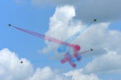 RKAF schwärzen aerobatic Leistung Aerobatic Teams Eagless in Singapur Airshow Lizenzfreie Stockfotografie