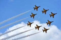RKAF schwärzen aerobatic Leistung Aerobatic Teams Eagless in Singapur Airshow Stockfoto