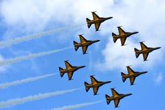 RKAF schwärzen aerobatic Leistung Aerobatic Teams Eagless in Singapur Airshow Lizenzfreie Stockbilder