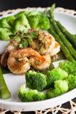 Räkascampi med grönsaker Royaltyfria Bilder
