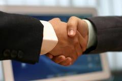 Ręki potrząśnięcie przy biurem Fotografia Royalty Free