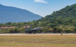 RMAF Sukhoi zdejmuje dla airshow przy LIMA expo zdjęcie royalty free