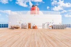 RMS玛丽皇后2漏斗甲板13 免版税库存照片