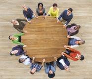 Różnorodni Wieloetniczni ludzie Trzyma ręki Indoors Fotografia Stock