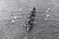 RNY - Queens springer i huvudet av Charles Regatta Womens ungdom Eights Royaltyfri Fotografi