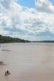 Río de Maranon del barco de la gente Foto de archivo libre de regalías