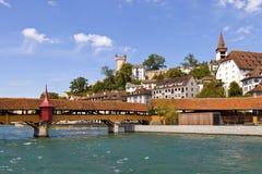 Río de Reuss en Lucerna, Suiza Foto de archivo libre de regalías