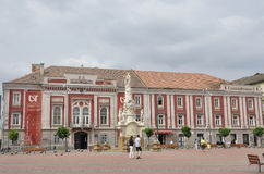 RO de Timisoara, le 21 juin : Bâtiment de théâtre d'arts de Liberty Square dans la ville de Timisoara du comté de Banat en Rouman Photos stock