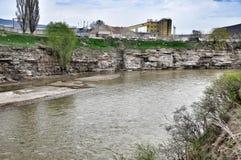 Río Kuban en la república de Karachay-Cherkess Fotos de archivo